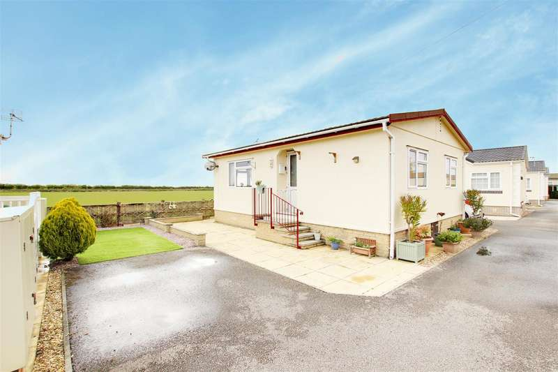2 Bedrooms Park Home Mobile Home for sale in The Willows, Maltby le Marsh