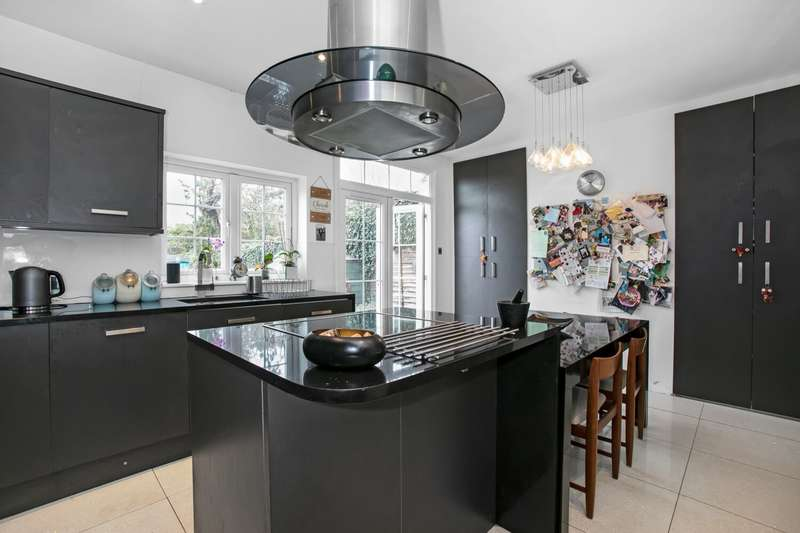 3 Bedrooms End Of Terrace House for sale in Oak Grove Road, Anerley