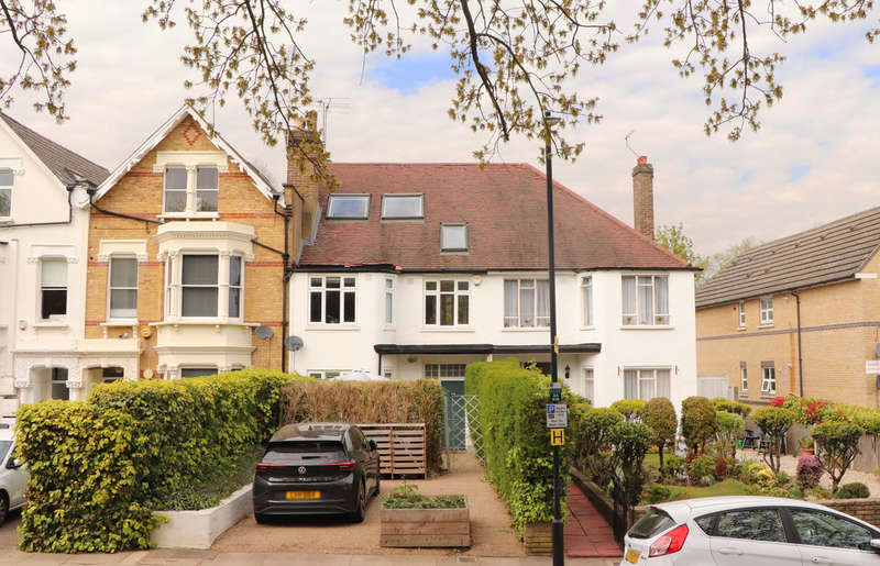 4 Bedrooms Terraced House for sale in Alexandra Park Road, Alexandra Park