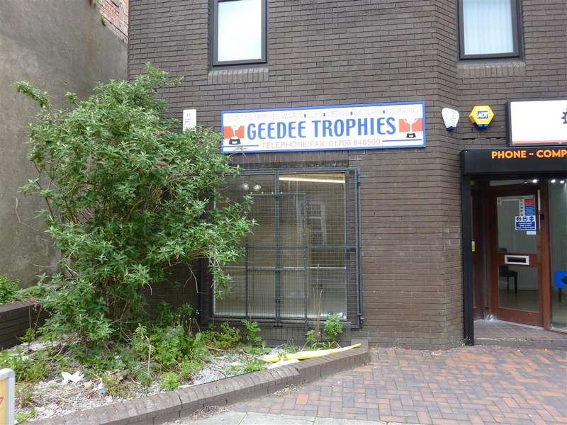 Commercial Property for rent in Rochdale Road,, Shaw, Oldham