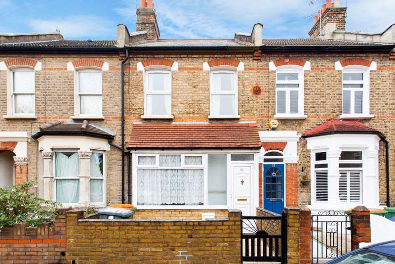 3 Bedrooms House for rent in St. Martins Avenue Eastham E6