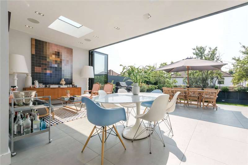 4 Bedrooms House for sale in Dollis Hill Avenue, London, NW2