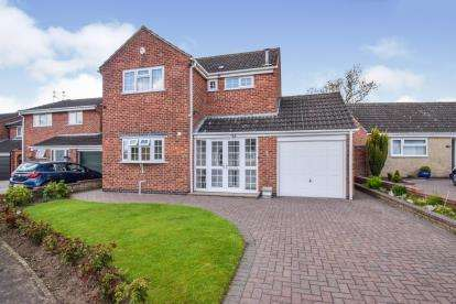 3 Bedrooms Detached House for sale in Bransdale Road, Wigston, Leicester, Leicestershire