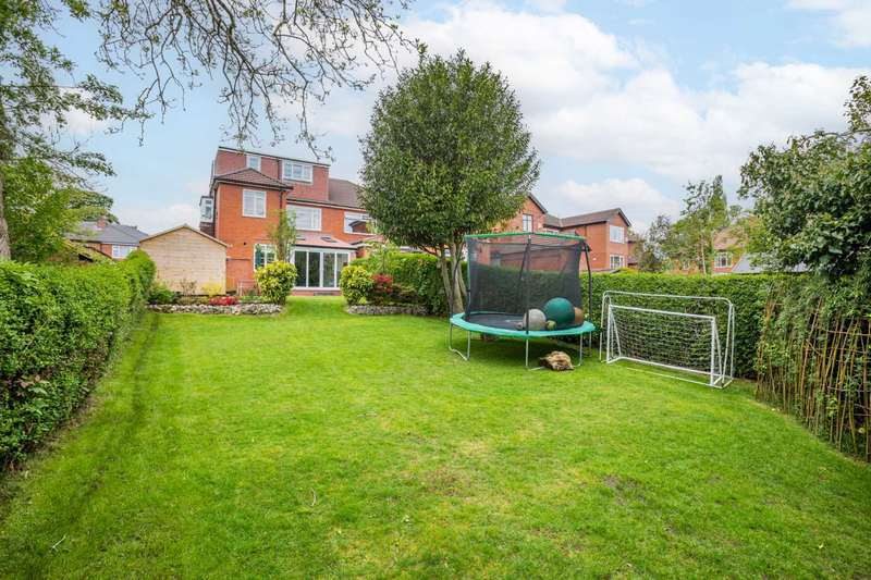 5 Bedrooms Semi Detached House for sale in Butt Hill Avenue, Prestwich