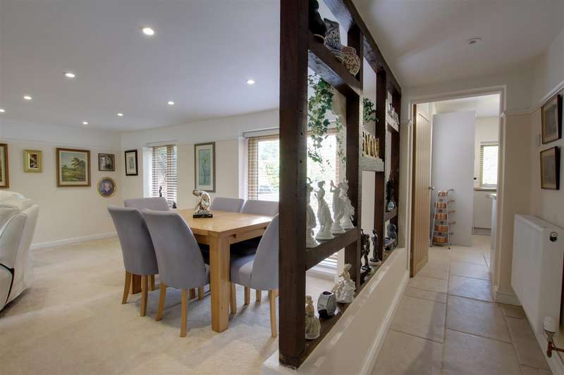 3 Bedrooms Semi Detached House for sale in Main Road, Willoughby, Alford