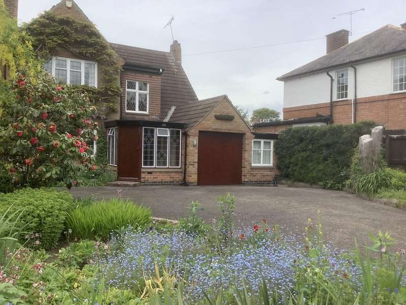 3 Bedrooms Detached House for sale in Leicester Road, GlenParva, Leicestershire, LE2