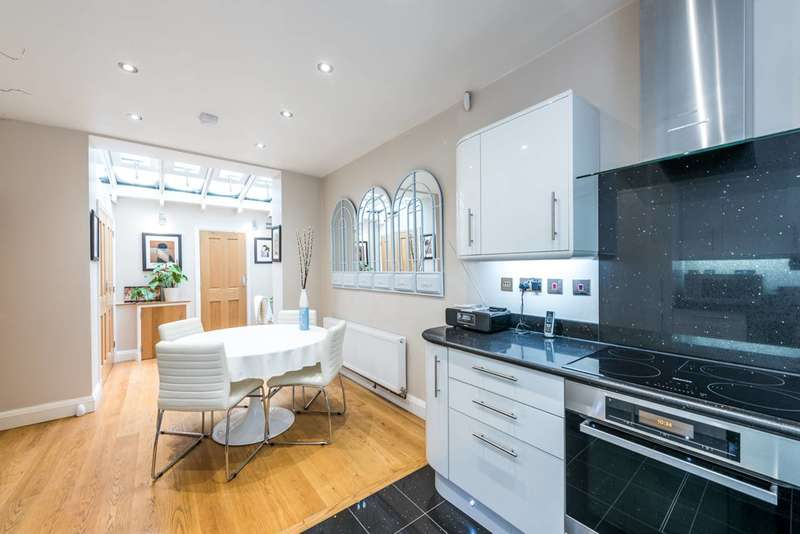 3 Bedrooms House for rent in Winchester Street, Pimlico, SW1V