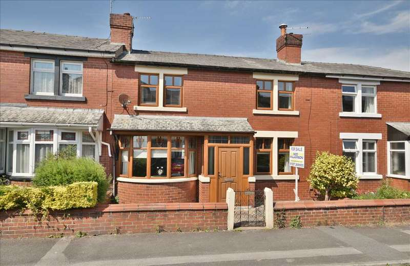 3 Bedrooms Terraced House for sale in Trinity Road, Chorley