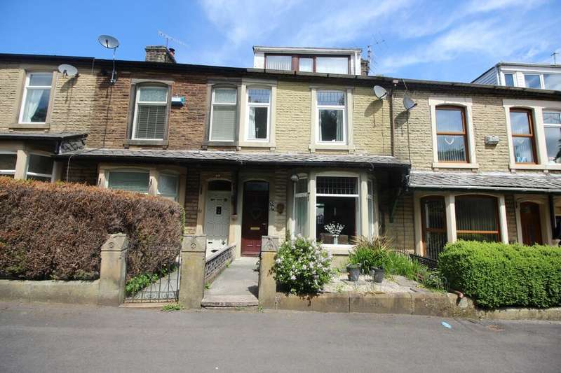 4 Bedrooms Terraced House for sale in Park Road, Darwen, BB3