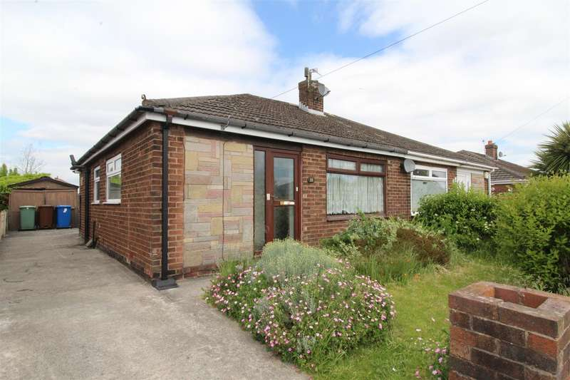 2 Bedrooms Semi Detached Bungalow for sale in Upland Drive, Ashton-In-Makerfield, Wigan, WN4 8XB