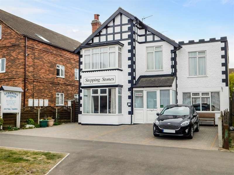 7 Bedrooms Detached House for sale in Castleton Boulevard, Skegness, Lincs, PE25 2TY
