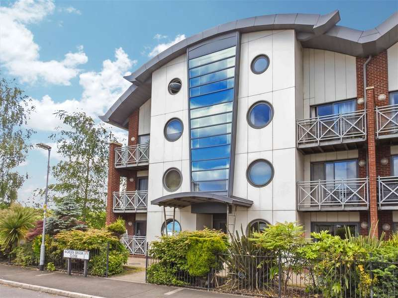 2 Bedrooms Apartment Flat for sale in Worden Brook Close, Buckshaw Village, Chorley