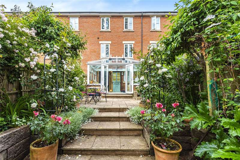 4 Bedrooms Town House for sale in Gras Lawn, St. Leonards, Exeter, EX2