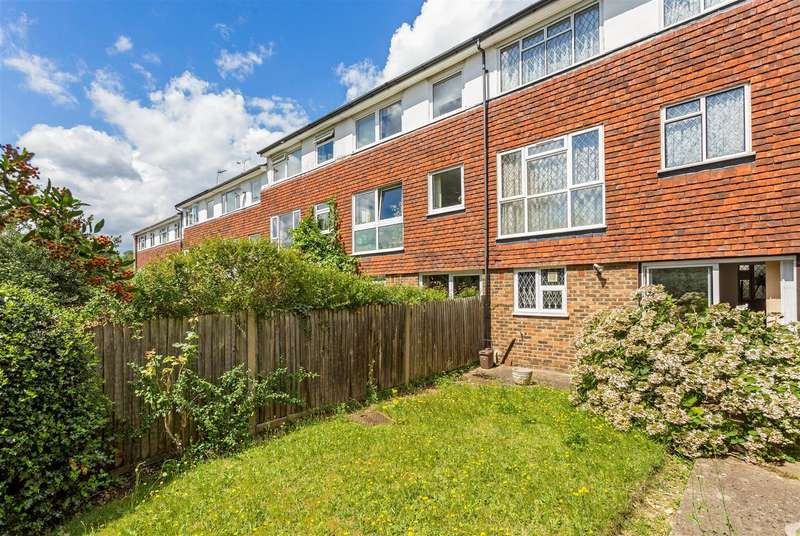 4 Bedrooms House for sale in Hillview, West Wimbledon, SW20