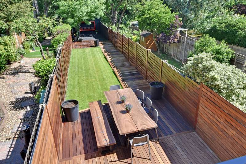 3 Bedrooms Terraced House for sale in Shooters Hill, Blackheath, London, SE18