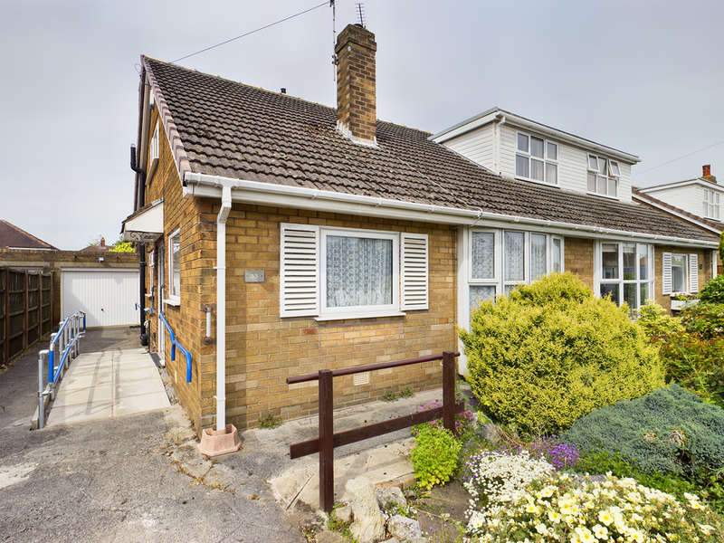 3 Bedrooms Semi Detached Bungalow for sale in Hampshire Place, South Shore FY4