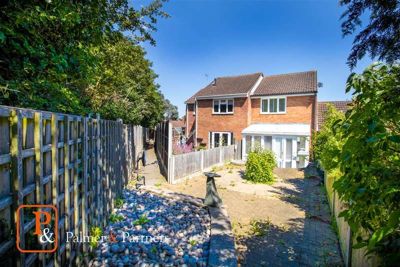 2 Bedrooms Terraced House for sale in Firstore Drive, Lexden, Colchester CO3