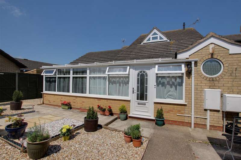2 Bedrooms Semi Detached House for sale in Robinson Avenue, Alford