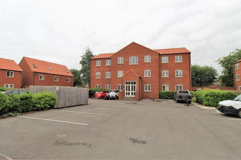 2 Bedrooms Flat for sale in Mallard Ings, Louth, Lincolnshire, LN11
