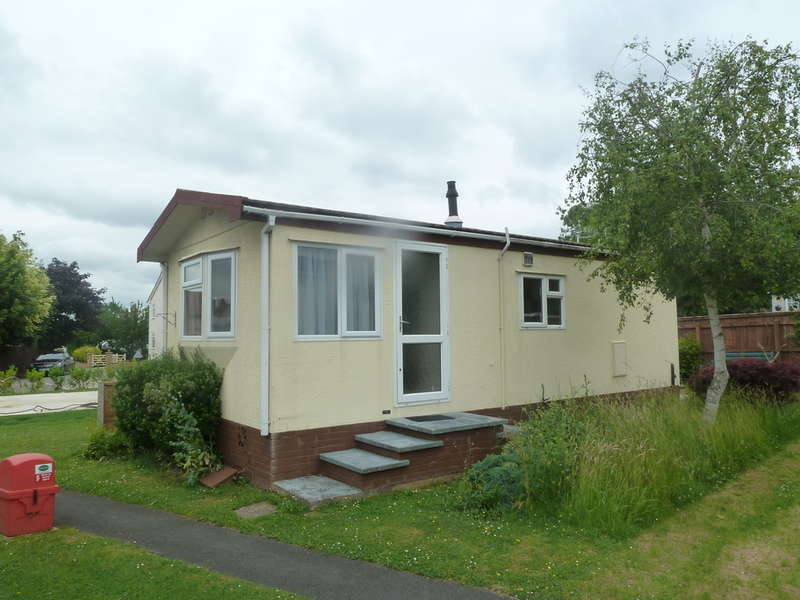 2 Bedrooms Park Home Mobile Home for sale in Stansby Park, The Reddings, Cheltenham, GL51