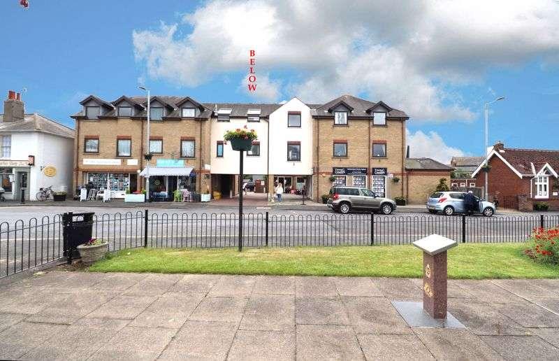 2 Bedrooms Property for sale in Osbornes Court, Brightlingsea CO7