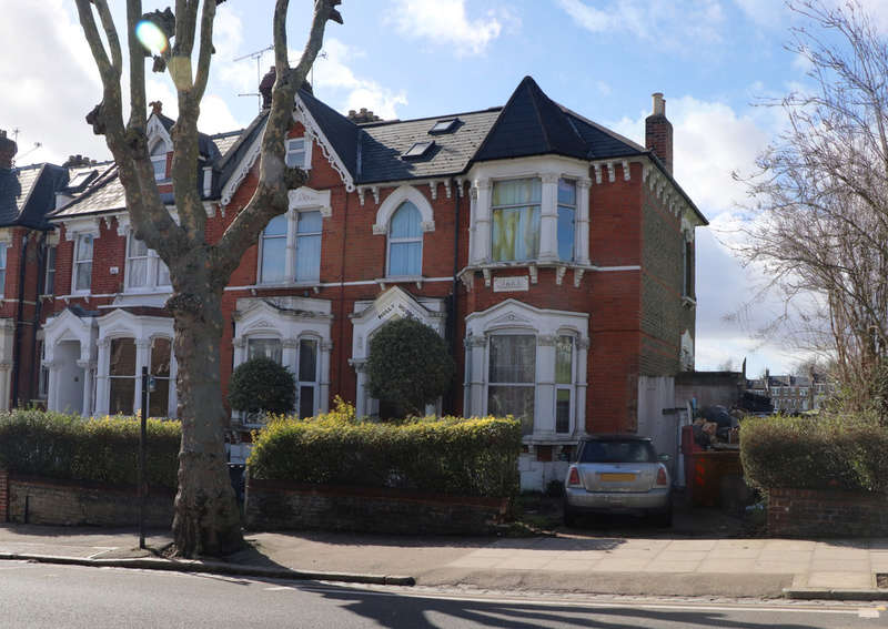 6 Bedrooms End Of Terrace House for sale in Ferme Park Raod , Stroud Green