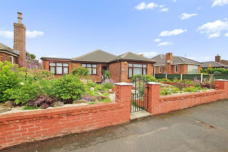 3 Bedrooms Detached Bungalow for sale in Rushmoor Avenue, Ashton-in-Makerfield, Wigan, WN4
