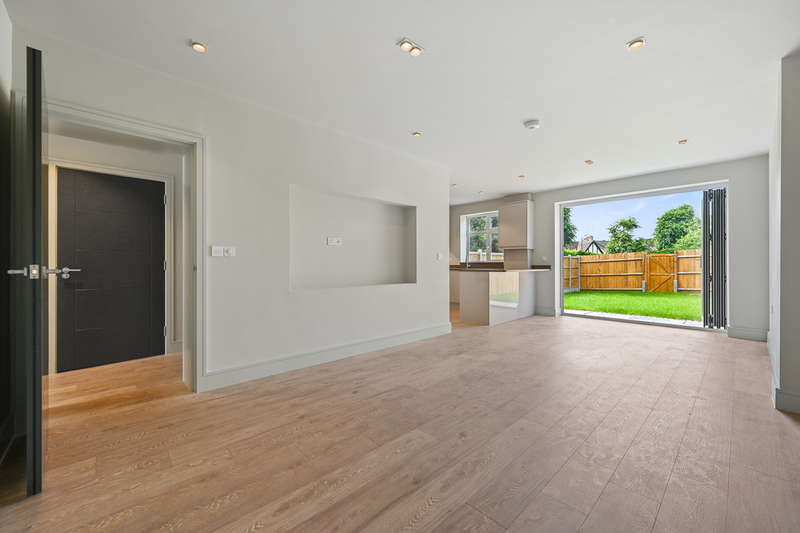 3 Bedrooms Terraced House for sale in Mayfield Avenue, Finchley