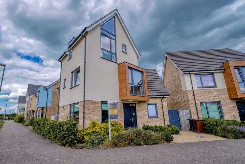 4 Bedrooms Property for sale in Mill Road, Colchester