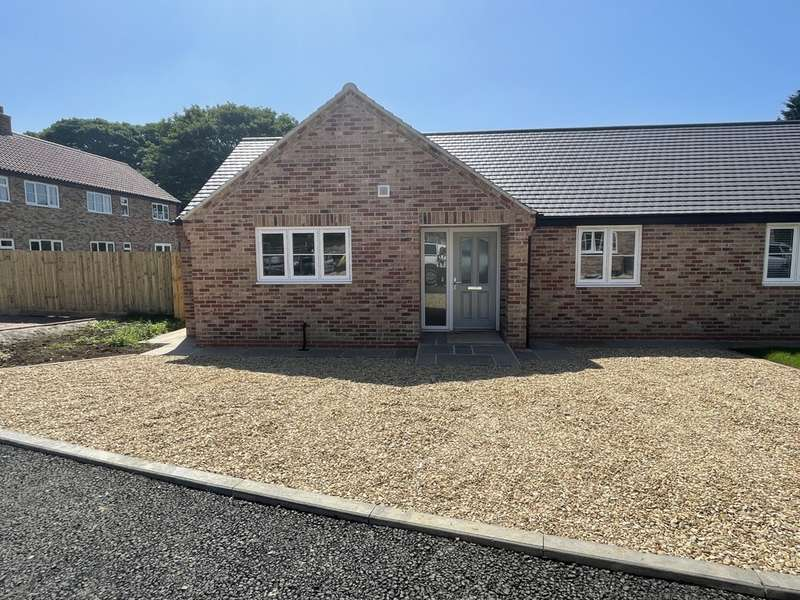 2 Bedrooms Semi Detached Bungalow for sale in Butt Lane, Wymondham