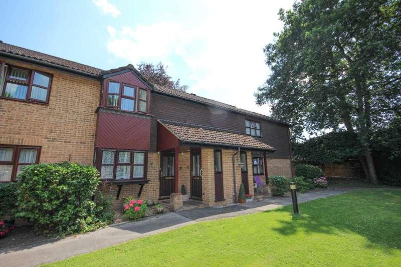 1 Bedroom Retirement Property for sale in Beechcroft Court, Bracknell