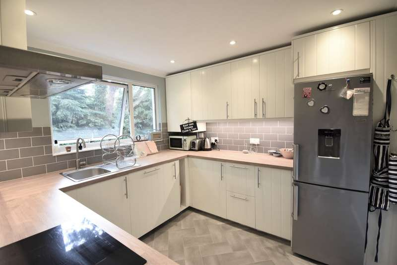 2 Bedrooms Maisonette Flat for sale in Woodmere, Bracknell, Berkshire, RG12