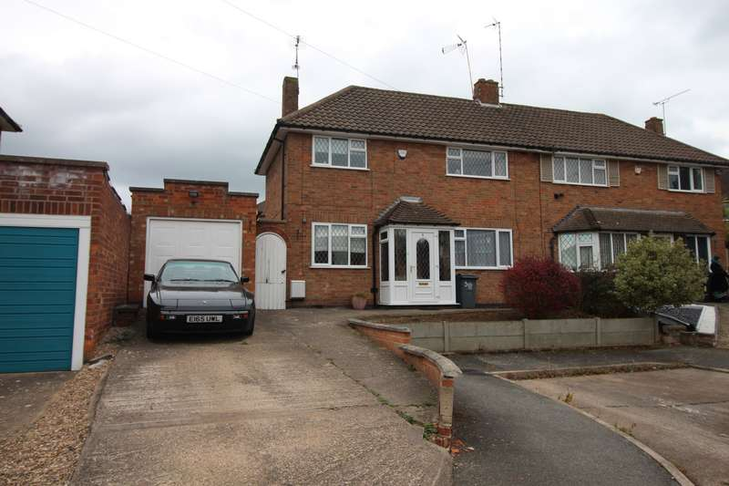 3 Bedrooms Semi Detached House for rent in Springway Close, Leicester, LE5
