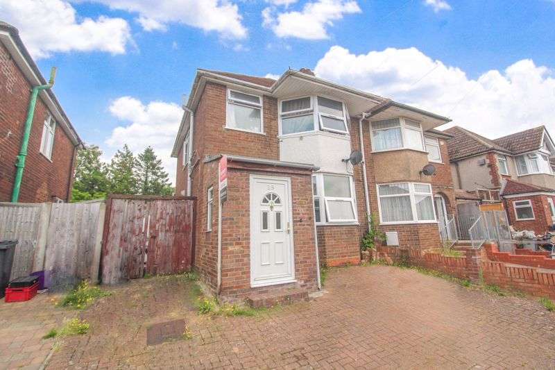 3 Bedrooms Property for sale in Clevedon Road, Luton