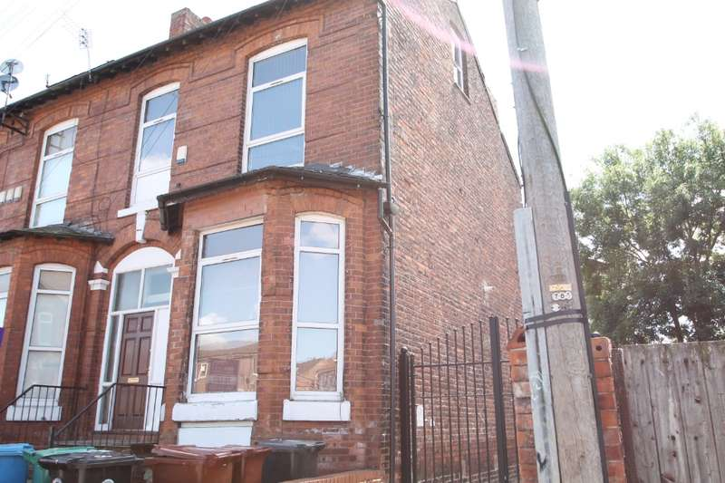 3 Bedrooms Semi Detached House for rent in Pine Grove, Fallowfield, Manchester, M14 5QG
