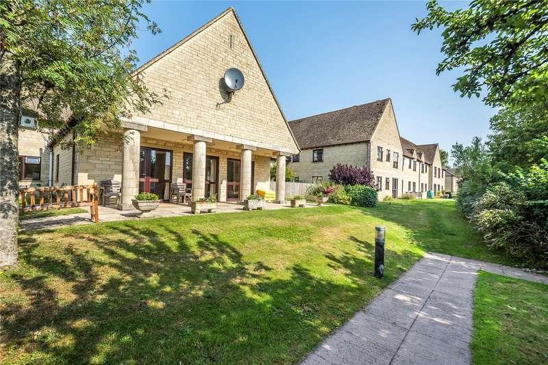 2 Bedrooms Parking Garage / Parking for sale in Cambridge Way, Minchinhampton, Stroud, GL6