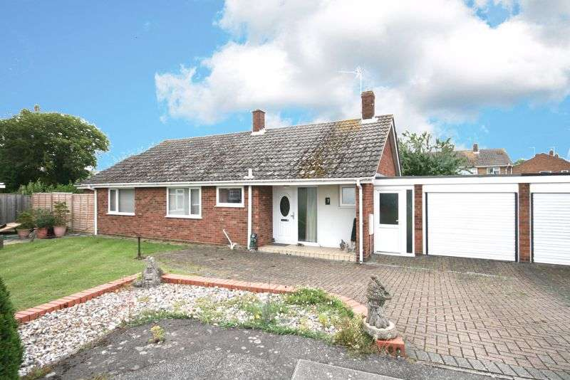 3 Bedrooms Property for sale in The Paddocks, Aingers Green, Great Bentley, CO7