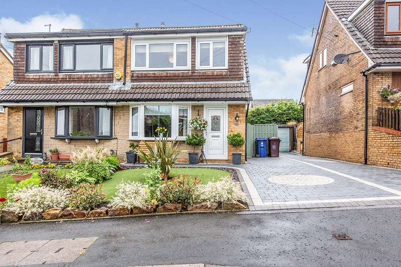 3 Bedrooms Semi Detached House for sale in Grassington Drive, Burnley, Lancashire, BB10