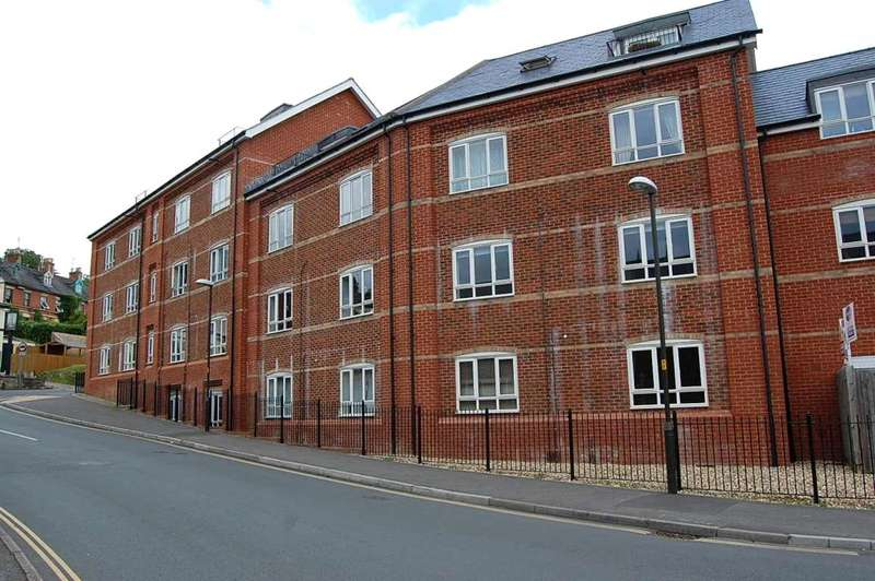 2 Bedrooms Flat for sale in Little Mill Court, Stroud, GL5
