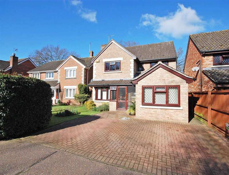 4 Bedrooms Detached House for sale in Windermere Drive, White Court, Braintree