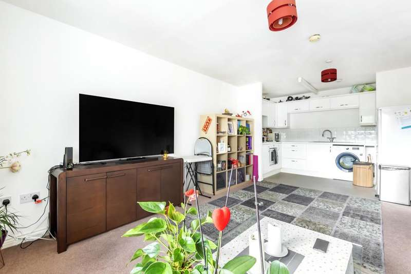 2 Bedrooms Flat for sale in Thatcham, West Berkshire, RG19
