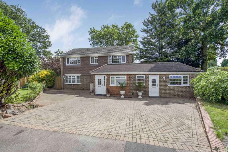 7 Bedrooms Detached House for sale in Woodlands Grove, Caversham, Reading