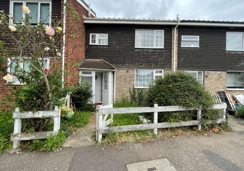3 Bedrooms Terraced House for sale in 39 Theydon Gardens, Rainham, Essex, RM13 7UX