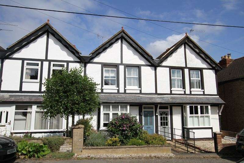 2 Bedrooms Terraced House for sale in Southview cottages, COOKHAM, SL6