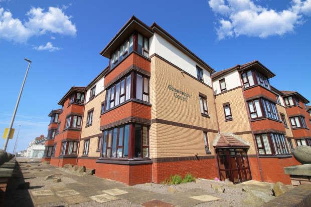 2 Bedrooms Apartment Flat for sale in Grosvenor Court, Ellerbeck Road, Thornton-Cleveleys, FY5