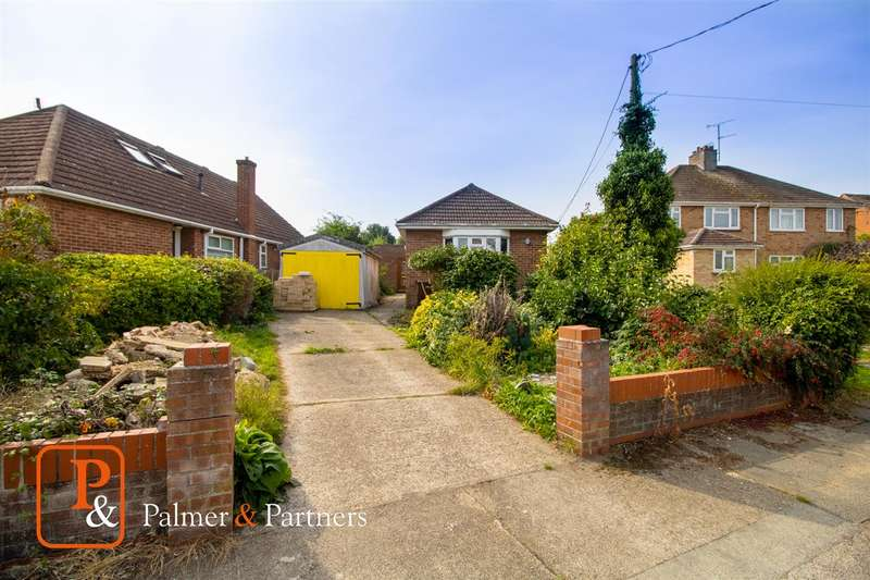 2 Bedrooms Detached Bungalow for sale in D'Arcy Road, Colchester CO2