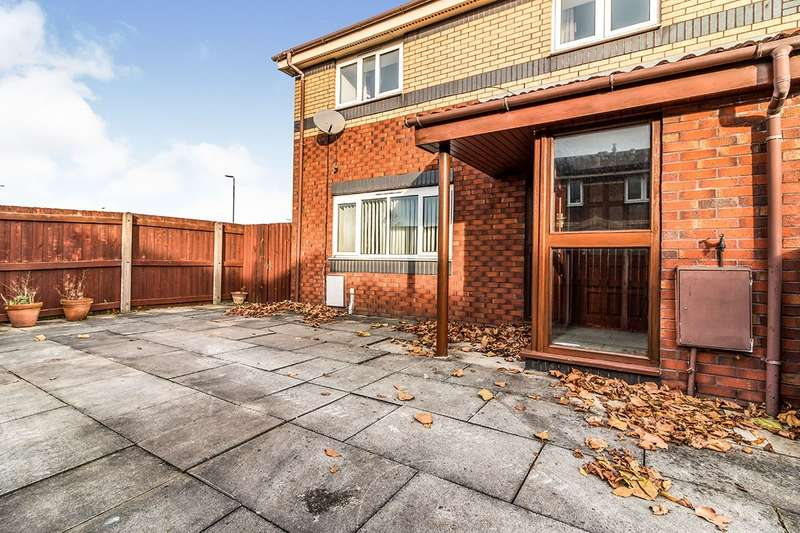 2 Bedrooms Semi Detached House for rent in Mccready Drive, Salford, M5