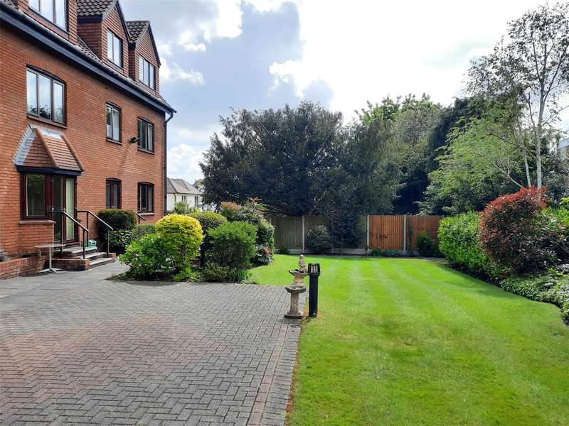1 Bedroom Flat for sale in Sawyers Court, Chelmsford Road, Shenfield, Brentwood