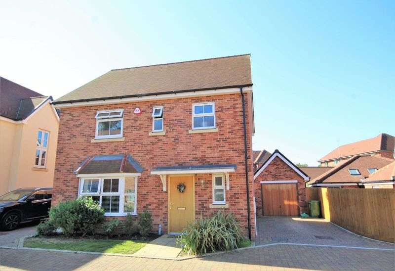 3 Bedrooms Property for sale in Sycamore Close, Brentwood