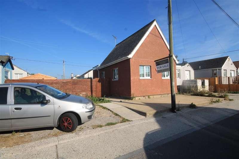 2 Bedrooms Bungalow for sale in Bentley Avenue, Jaywick